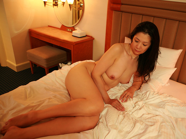 一度限りの背徳人妻不倫(1)~癒し系のDカップ熟女・五十嵐千賀子さん48歳