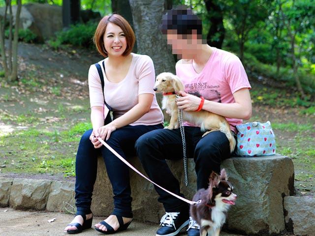 よく犬の散歩で会うスケベな体のスキニージーンズ奥さんとハメたい