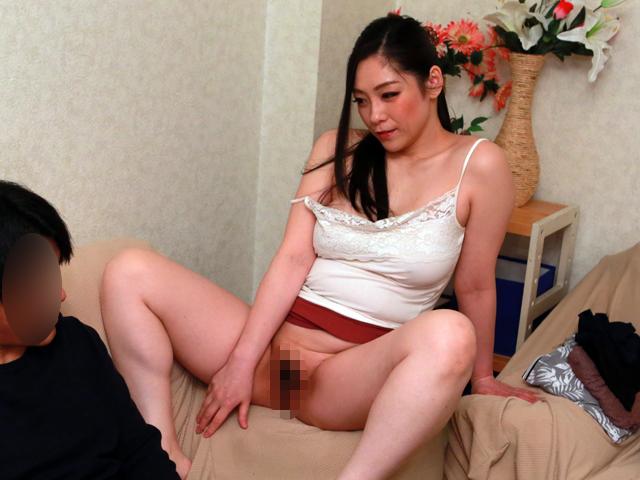 スケベ体型のノーブラ義母にこれだけ挑発されたらもう近●相姦するしかない(3)