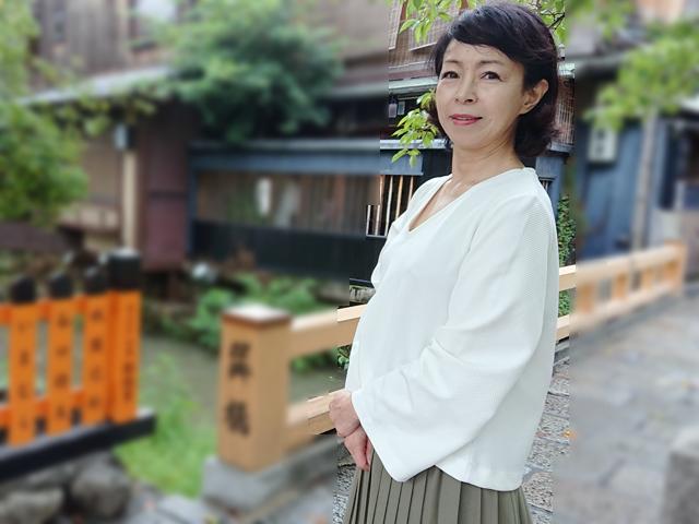 祇園で見かけた京都弁がソソるはんなり美女とどうしてもヤリたい