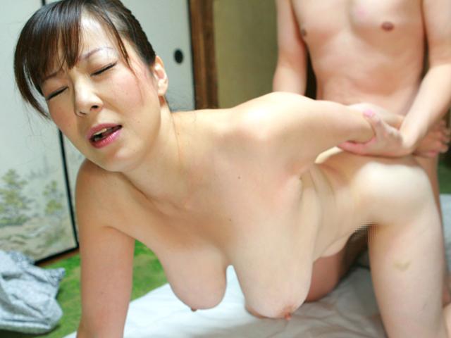 デカパイ熟女20人!乳房ブルンブルン鬼イキ爆ハメDX4時間SP(2)